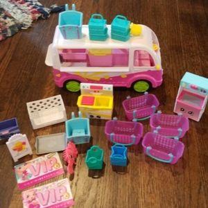 Shopkins figurines, bus, baskets & misc.